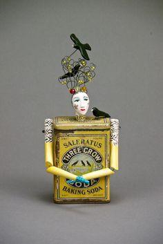 Three Crow Arte Steampunk, Tin Art, Art Brut, Found Object Art, Paperclay, Assemblage Art, Recycled Art, Metal Art, Molde