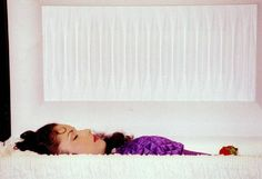 31 Photos from Celebrity Open Casket Funerals ~ SELENA, 1995, Age 24