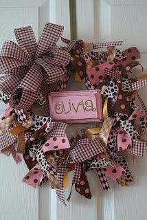 ribbon wreath~cute on bedroom door! But use hues with yellow