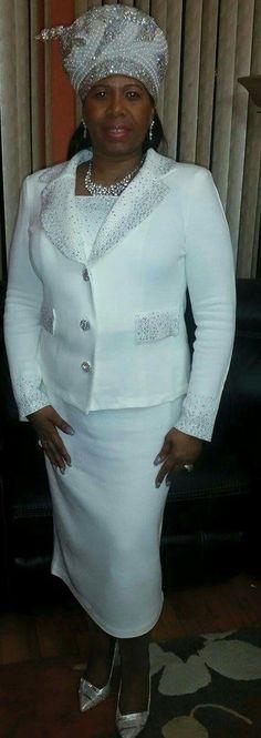 Church Suits And Hats, Church Attire, Women Church Suits, Church Hats, Church Outfits, Suits For Women, Fashion Hats, Fall Fashion Outfits, Ethnic Fashion
