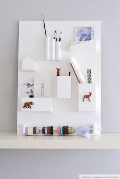 Awesome Home Wall Storage Ideas Office Organisation, Desk Organization Diy, Wand Organizer, Hanging Organizer, Diy Hanging, Kitchen Wall Storage, Diy Casa, Modern Bathroom Decor, Workspace Inspiration