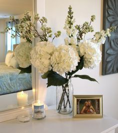Master Bedroom Decor- Bentleyblonde House Tour - All About Decoration Home Bedroom, Master Bedroom, Master Bed Room Decor, Fake Flower Arrangements, Fake Flowers Decor, Fresh Flowers, Spring Flowers, Fake Flower Centerpieces, White Flowers