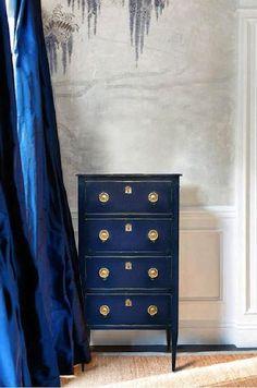 meuble peint bleu