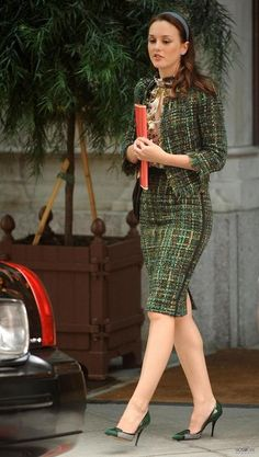 Blair, Season 4: Chris Benz Fall 2010 blouse, Giambattista Valli tweed suit, Paige Gamble headband, Casadei shoes