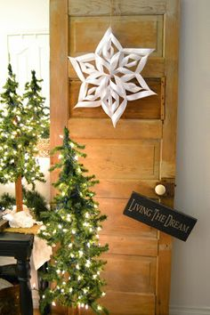 Has to be Pretty: Our Simplified Christmas Home Tour!