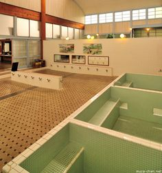 Visit a sento - Japanese bath house Back in the days, Not every household had showers or bathtubes, so they built public bathing houses. Japanese Public Bath, Japanese Bath House, Japan Holidays, Hot Springs, Master Bathroom, Interior, Public Bathing, Japan Onsen, Japan Trip