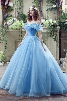 2016 Cinderella Graceful Ocean Blue Tulle Ball Gown Quinceanera Dresses Off Shoulder Butterflies Beaded Floor Length Prom Gowns Blue Ball Gowns, Ball Gowns Prom, Ball Gown Dresses, Pageant Dresses, Blue Gown Dress, Dress Prom, Cute Prom Dresses, Pretty Dresses, Formal Dresses