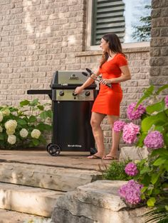 What we love about Broil King Gem gas grills is that they're offered at a great price but have the 'engine' of a premium-end BBQ! With the legendary Broil King cooking system at the heart of the Gem, we're sure you won't regret getting your hands on one of these.