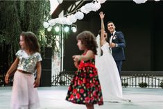 How to Entertain Kids During Weddings- Including children in your wedding is a beautiful way to invite them into the start of the couple's new chapter. For many families, it is even a way to signal the start of a brand new family. Whether you plan to have your child, your sibling, or a close friend's little one in your wedding, the best way to get them excited is to let them be involved from the start.