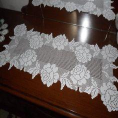 Gül motifli dantel masa örtüsü modelleri ve yapılışı