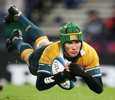 Resultados de la Búsqueda de imágenes de Google de http://www.rucksandrolls.com/images/matt-giteau-signs-and-soars-with-australian-rugby-.jpg