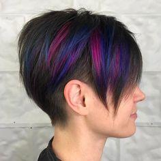Long Pixie Undercut With Highlights Undercut Short Pixie, Short Pixie Haircuts, Short Hair Cuts, Short Hair Styles, Designs Undercut, Cute Pixie Cuts, Undercut Hairstyles, Hairstyles 2018, Shaved Hairstyles
