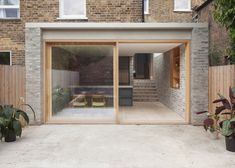 Privathaus, Stoke Newington - Al Jawad Pike - Trend Anbau Backstein 2020 Brick Extension, House Extension Design, Glass Extension, Rear Extension, House Design, Design Design, London Architecture, Residential Architecture, Architecture Design
