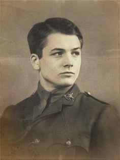 Testament of Youth   It´s the story of real life. Opravdový příběh odehrávající se v 1. světové válce . Podle pamětí Very Brittain
