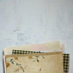 papier disponible sur https://www.etsy.com/listing/118708195/feuilles-de-papier-peint-ideales-pour
