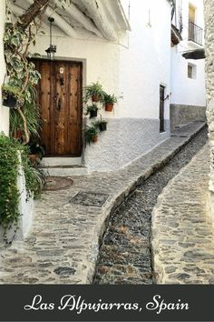 Las Alpujarras: Walking from Pampaneira to Búbion - Migrating Miss
