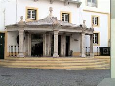 Fotos de: Portugal - Elvas - Pueblo con encanto.La ciudad fue fundada por los romanos con el nombre de Alpesa. Durante la reconquista fue primero tomada por el rey Alfonso I de Portugal en 1166, pero cayó de nuevo en poder musulmán hasta que los portugueses la reconquistaron definitivamente en 1226, recibiendo sus fueros del rey Sancho II de Portugal en 1231.