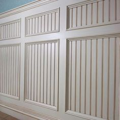 21 Best Wainscoting Styles And Designs for Every Room Tags: decorative wainscoting styles modern wainscoting styles wainscoting ideas kitchen wainscoting ideas rustic wainscoting room ideas Rustic Wainscoting, Beadboard Wainscoting, Dining Room Wainscoting, Wainscoting Ideas, Wainscoting Nursery, White Beadboard, Beadboard Ceiling Panels, Wainscoting Panels, Bead Board Walls