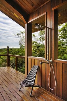 Shower with a view! Tropical bathroom by Robert Granoff. i LOVE outside showers! Outdoor Spaces, Outdoor Living, Outdoor Decor, Outdoor Sauna, Indoor Outdoor, Outside Showers, Outdoor Showers, Outdoor Shower Enclosure, Diy Terrasse