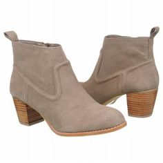 Can't wait to get these. #DV Dolce Vita Jamison taupe:D