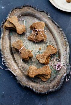 ARRÊTEZ TOUT!! Voici 8 recettes délicieuses de gâteries pour chiens à essayer!! - Trucs et Bricolages