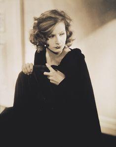 Her hair is fabulous here - Greta Garbo by Edward Steichen, 1928.