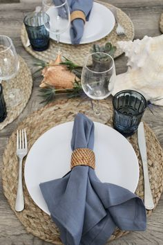 Picnic Decorations, Spring Wedding Decorations, Decoration Table, Table Arrangements, Table Centerpieces, Centrepieces, Dinner Sets, Dinner Table, Beach Table Settings