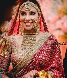 A Royal Chandigarh Wedding With The Bride In Glamorous Outfits & Statement Jewellery - Indien Kleidung - Indian Bridal Outfits, Indian Bridal Fashion, Indian Bridal Wear, Indian Dresses, Pakistani Bridal, Indian Wear, Bridal Looks, Bridal Style, Rimple And Harpreet Narula