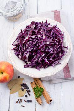 Surówka z czerwonej kapusty Bratwurst, Cabbage, Vegetables, Cooking, Food, Spice, Ground Meat, Vinegar, Salads