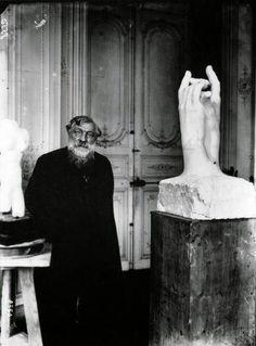 Rodin em seu estúdio