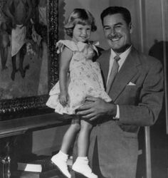 Errol Flynn with his daughter. Old Hollywood Stars, Hollywood Actor, Golden Age Of Hollywood, Vintage Hollywood, Classic Hollywood, Errol Flynn, Famous Movies, Old Movies, Olivia De Havilland
