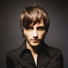 http://www.latest-hairstyles-haircuts.com/mens-hairstyles/mens-short-hairstyles-in-new-trends-2012/
