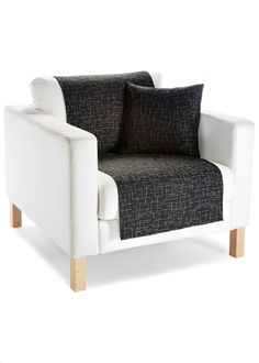 """Jetzt anschauen:Mit dem schönen Sofaüberwurf """"Belle"""" können Sie im Nu Ihrem Sofa einen neuen Look verleihen. Der Überwurf, der auch als Tagesdecke genutzt werden kann, passt zu vielen Designs und wirkt sehr edel. Der Stoff schützt Ihre Sitzmöbel zudem vor Schmutz. Wer es einheitlich mag, erhält die dazu passenden Kissenhüllen im 2-er Pack separat. Der Sofaüberwurf """"Belle"""" ist zeitlos und ein schönes Textil für Ihre Lieblingsräume."""