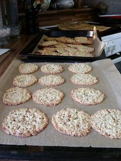 Krispie Treats, Rice Krispies, Sweet Pastries, Muffin, Food And Drink, Breakfast, Desserts, Brick, Biscuits