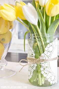 Mason jar crafts are a really easy way to add spring accents in your home for Easter. Here are 15 cute and colorful Easter and spring Mason jar ideas, like Easter bunny jars and Easter bunny nests. Easter Table Decorations, Decoration Table, Table Centerpieces, Easter Centerpiece, Centerpiece Ideas, Summer Centerpieces, Wedding Centerpieces, Yellow Party Decorations, Graduation Centerpiece