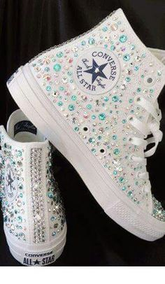 Tendance Basket Femme Crystal Car Keys Crystal Converse Crystal Beauty Products Crystal Covered Headphones Crystal Covered Guitars Made With Swarovski Elements Gallery Bling Shoes, Prom Shoes, Wedding Shoes, Converse All Star, Converse Shoes, Bling Converse, Converse Trainers, Custom Converse, White Converse