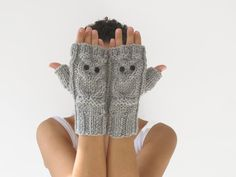 Owl Light Gray Grey Fingerless Gloves Mittens by afra on Etsy Winter Sale, Winter Wear, Knitted Gloves, Fingerless Gloves, Fancy Pants, Get Dressed, Arm Warmers, Autumn Fashion, Cute Outfits