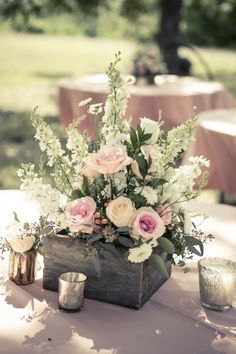 Wedding Centerpieces 25 Simple and Cute Rustic Wooden Box Centerpiece Ideas to Make Your Decoration … Wooden Box Centerpiece, Rustic Wedding Centerpieces, Wedding Flower Arrangements, Floral Centerpieces, Wedding Bouquets, Wedding Decorations, Table Decorations, Rustic Weddings, Wedding Ideas