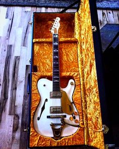 """The Fender Custom Shop """" The Great White Chicken!"""""""