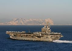 25 Incredible Photos from the US Navy Us Navy Aircraft, Navy Aircraft Carrier, Navy Military, Military Gear, Us Battleships, Aircraft Engine, United States Navy, Navy Ships, Submarines