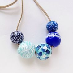 Dipinto a mano Collana geometrica legno perlina in mare di Blues