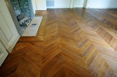 Antique parquet Point de Hongrie