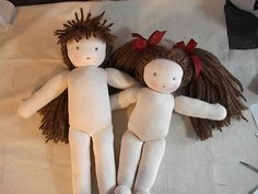 Fantastic tutorial with pics for waldorf doll hair