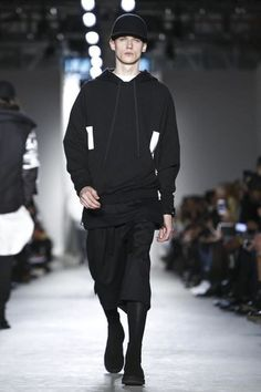 Public School Ready To Wear Fall Winter 2015 New York Live Fashion, Fashion Show, Runway Fashion, Mens Fashion, Fall Winter 2015, Public School, Ready To Wear, Fashion Photography, Sweatshirts