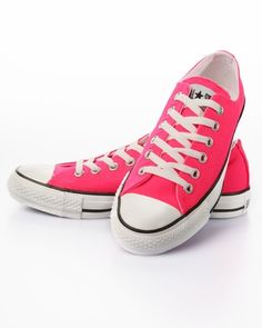 Converse Women's Low Top Chuck Taylor All Star Sneakers