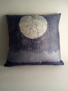 Pioggia notturna - cuscino 100% seta -  silk handmade batik unique piece Throw Pillows, Handmade, Toss Pillows, Hand Made, Decorative Pillows, Craft, Decor Pillows, Scatter Cushions, Handarbeit