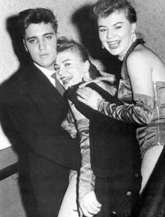 Elvis at the Moulin Rouge in Munich in march 4 1959.
