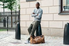 Stockholm Fashion Week — The Locals – Street Style from Copenhagen and elsewhere Fall Fashion Outfits, Blazer Fashion, Casual Fall Outfits, Men's Fashion, Afro, Stockholm Fashion Week, Mens Fashion Sweaters, Autumn Street Style, Casual Chic Style