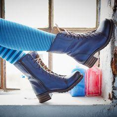 Blaue Stiefeletten sind so lässig #stiefeletten #blau #brako