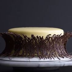 Everything's better with chocolate! 🍫🍰😍 - Amazing chocolate cakes and recipes. Amazing chocolate cakes and recipes. Amazing chocolate cakes a - Cake Decorating Videos, Cake Decorating Techniques, Cookie Decorating, Cake Decorating Frosting, Food Cakes, Cupcake Cakes, Decoration Patisserie, Dessert Decoration, Easy Cake Recipes